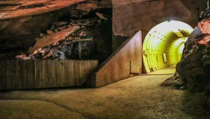 Discover America S Largest Underground Lake The Lost Sea
